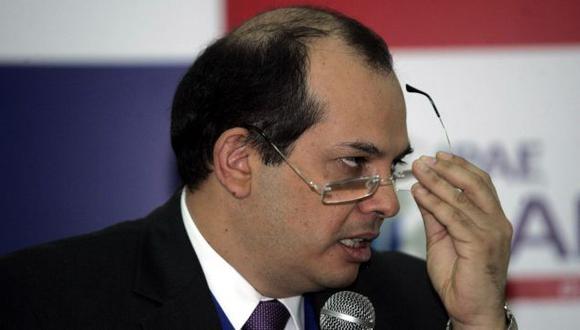 Ministro evalúa cifras de 2012. (Heiner Aparicio)