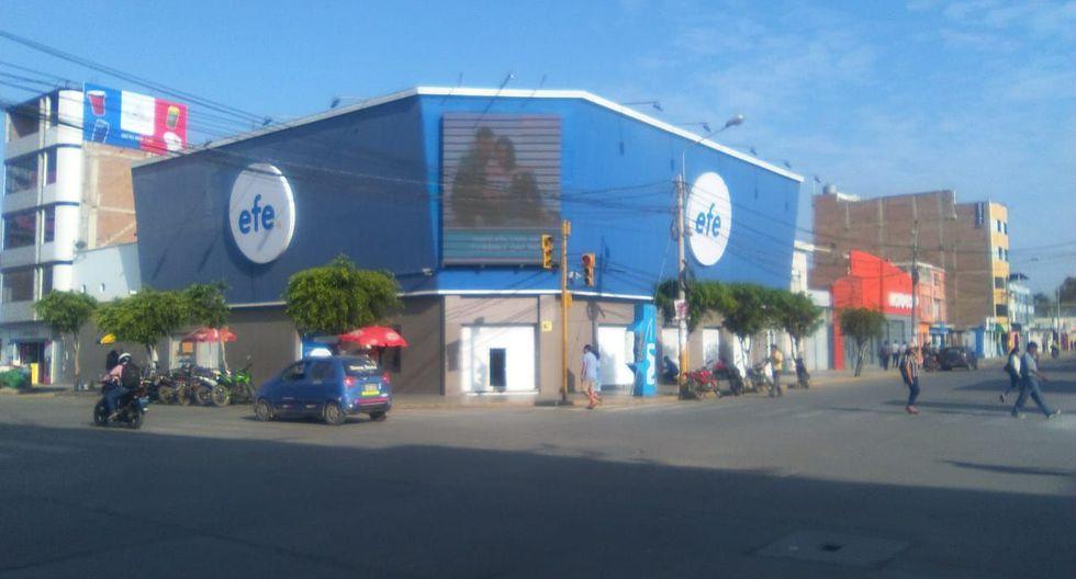 Local de tiendas Efe, en el centro de la ciudad de Chiclayo, fue blanco del hampa.