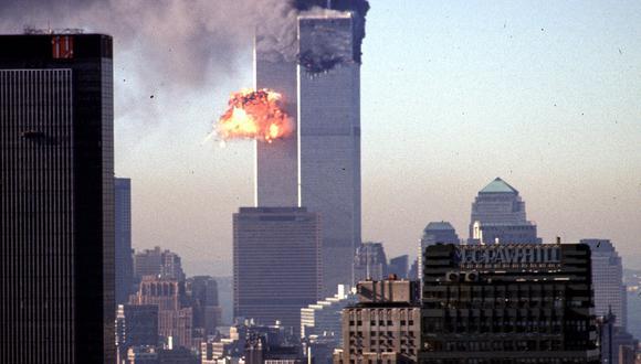 En esta foto de archivo tomada el 11 de septiembre de 2001, un avión comercial secuestrado se estrella contra el World Trade Center en Nueva York. (Foto: SETH MCALLISTER / AFP)