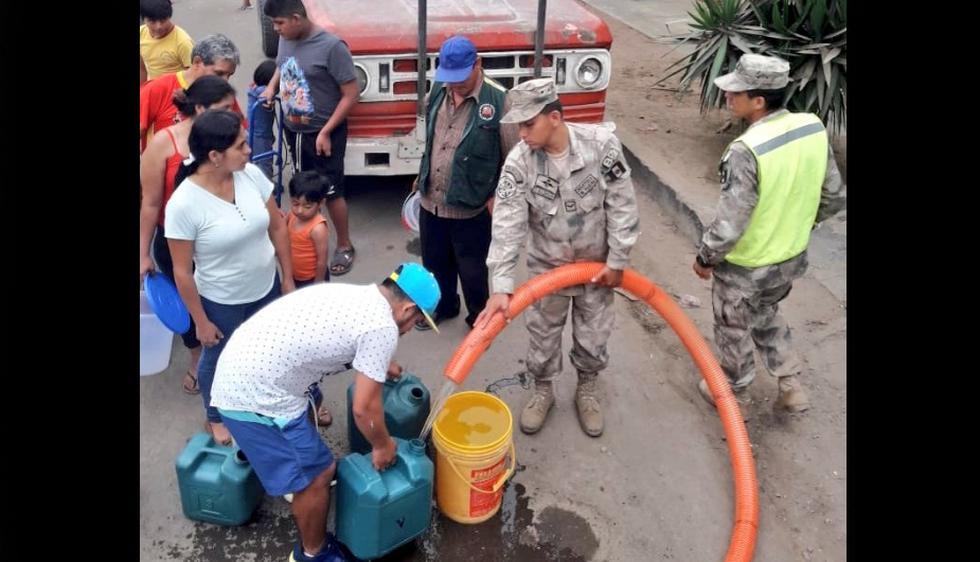 Abastecieron de agua potable a todos los vecinos afectados. (Fotos: Marina de Guerra)