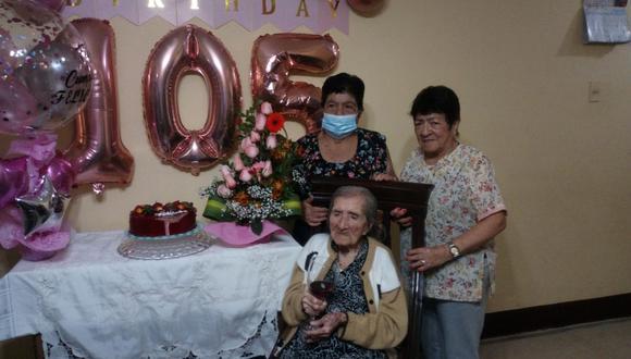 Chiclayo: Abuelita cajamarquina cumplió 105 años de vida a lado de sus seres queridos