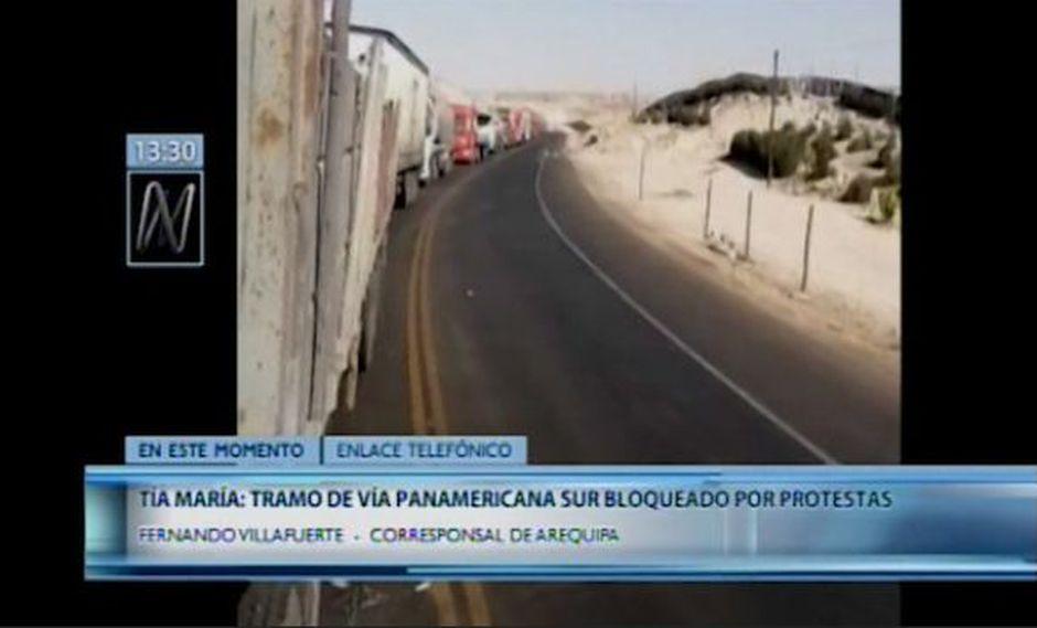 Policía informó que hasta la fecha se reporta varios tramos de la Panamericana Sur permanecen bloqueados por protestas contra Tía María. (Captura: Canal N)