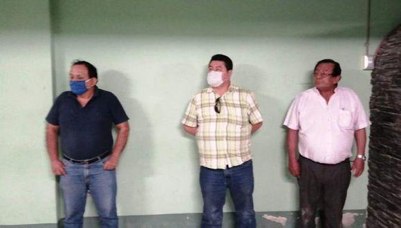 Piura. El alcalde Fernando Ipanaque no llevaba puesto su mascarilla al momento de su intervención. (PNP)