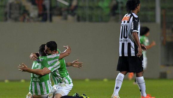 Ronaldinho y el Mineiro no podrán revalidar su título 2013 de Copa Libertadores. (AFP)