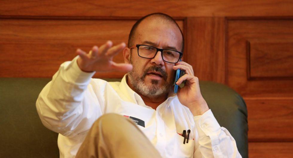 Aprobación del ministro de Salud, Víctor Zamora, cae en un mes y se ubica en 54%. (Foto: Lino Chipana/GEC)