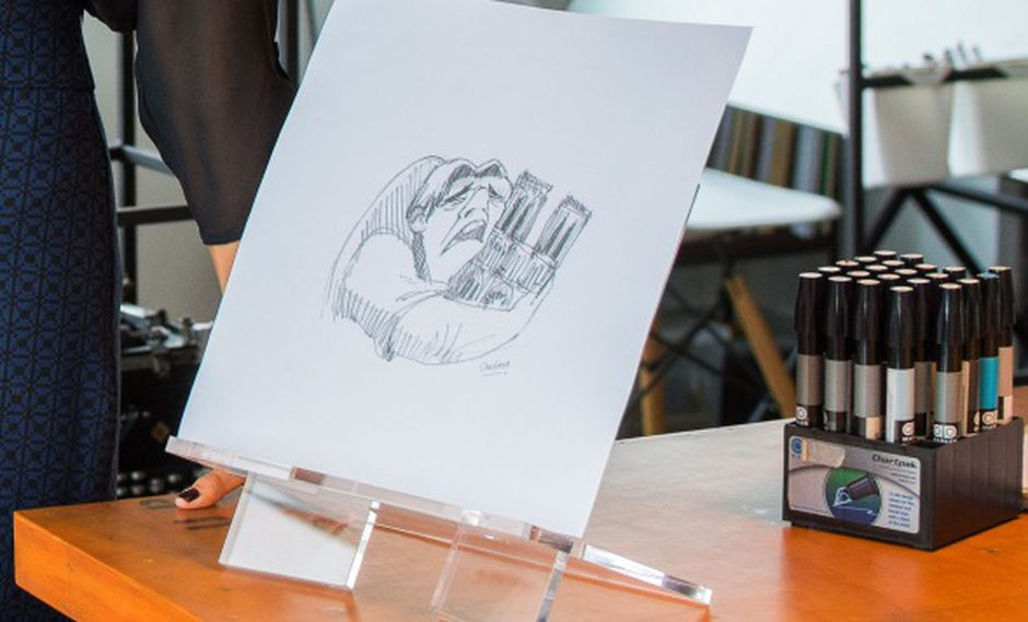 El dibujo realizado por la arquitecta ecuatoriana Cristina Correa se muestra en su taller en Guayaquil, Ecuador, el 17 de abril de 2019. (Foto: AFP)
