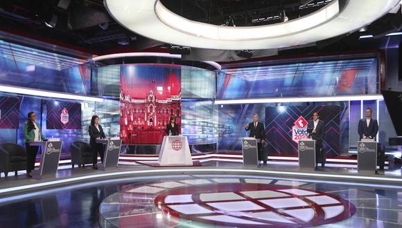 Los candidatos confrontaron ideas pero también ataques de todo calibre (América Televisión).
