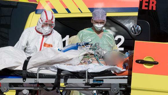 El alcalde de Lancaster, R. Rex Parris, manifestó que el paciente era un adolescente que fue hospitalizado por problemas en su sistema respiratorio y murió de un choque séptico. Imagen referencial de un hospital en Italia. (AFP).