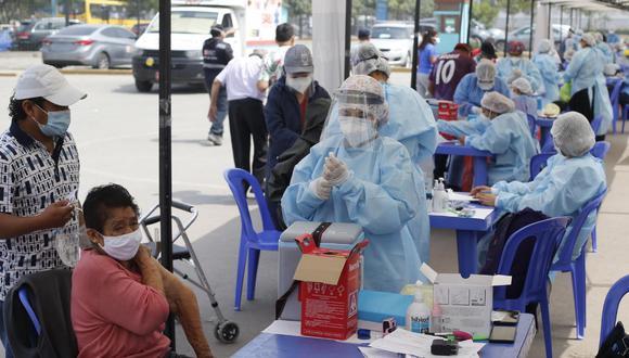 Personal de la Municipalidad de Lima brindará apoyo a la estrategia de vacunación de adulto mayores de 80 años. (Foto: Violeta Ayasta / @photo.gec)