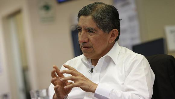 Avelino Guillén estuvo en la redacción de Perú21 y habló de las propuestas de Pedro Pablo Kuczynski. (Anthony Niño de Guzmán)