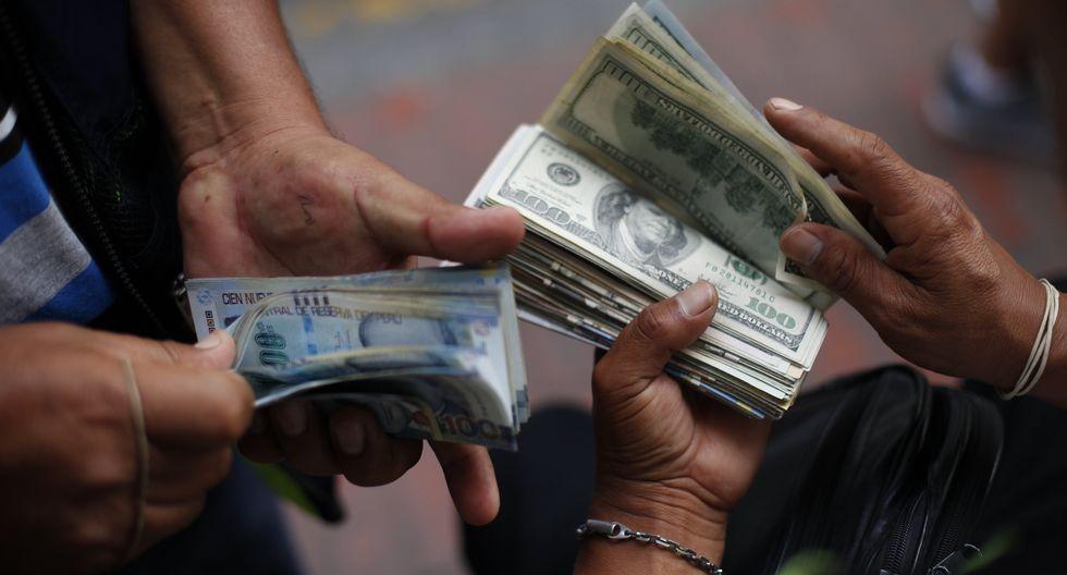 El dólar operaba al alza a media sesión. (Foto: GEC)