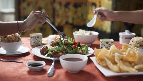 El tradicional restaurante oriental con 31 años en el mercado ofrece su servicio de delivery para llegar hasta la puerta de su casa.