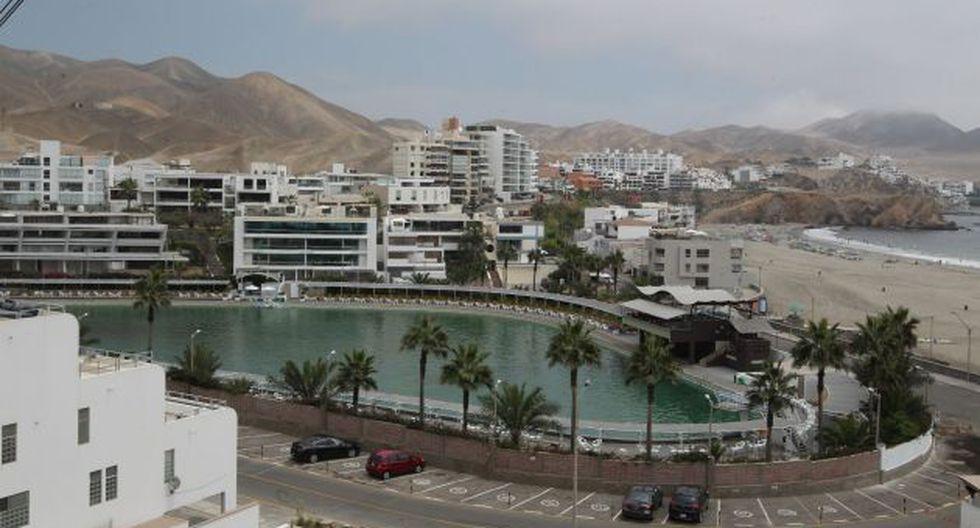 Santa María del Mar multará con hasta S/.7,600 a locales por discriminación. (Andina)