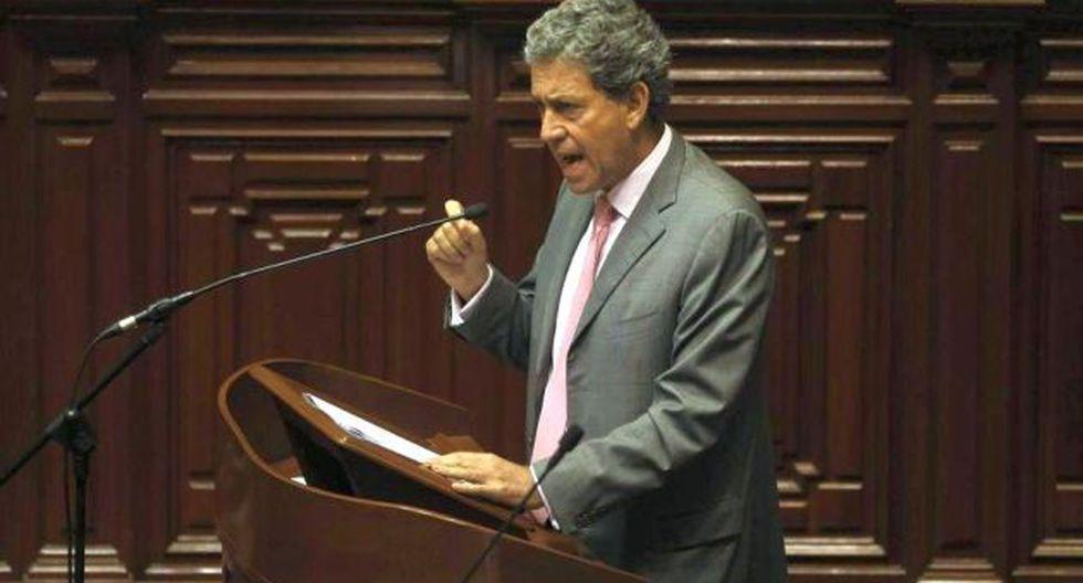 Alfredo Thorne expone ante Pleno del Congreso. (David Huamaní)