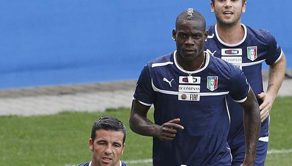 Sigue haciendo de las suyas en la selección italiana. (AP)