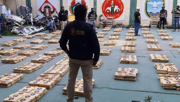 Puno: En un operativo conjunto realizado por la Policía Antidrogas y el Ministerio Público se incautó más dedos toneladas de marihuana en una vivienda.