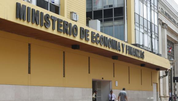 Las medidas de contención frente al COVID-19 tuvieron un impacto negativo en todos los sectores económicos durante el primer semestre del año, refirió la titular del sector, María Antonieta Alva. (Foto: GEC)