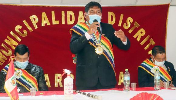 Cusco: Alcalde distrital de Marcapata, Esteban Mamani, fue detenido tras ser acusado de intentar abusar sexualmente de una mujer en su despacho.