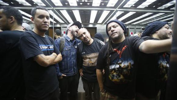 Armados. Bayo (bajo), Zoe (voz), Rodolfo (guitarra) y Marut (batería). Rumbo a los 30 años.
