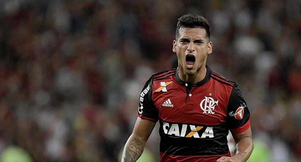 Miguel Trauco juega en el Flamengo, donde es compañero de Paolo Guerrero. (GETTY)