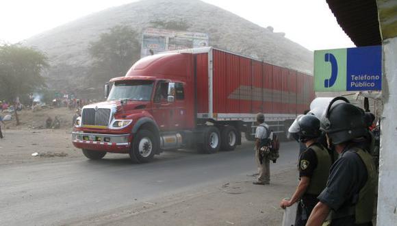 SALDO. Los reclamos mineros cesaron ayer no sin antes generar el caos y el bloqueo de vías. (Abigaíl Díaz)