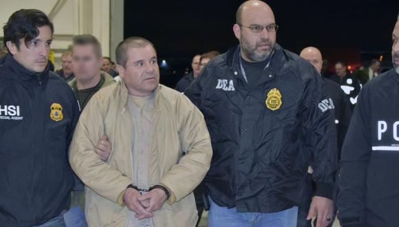 Adicional a su condena, se ordenó incautarle cerca de US$12.700 millones, cantidad que el gobierno estadounidense estimó que ganó como líder del cartel de Sinaloa en 25 años. (Foto: AFP)