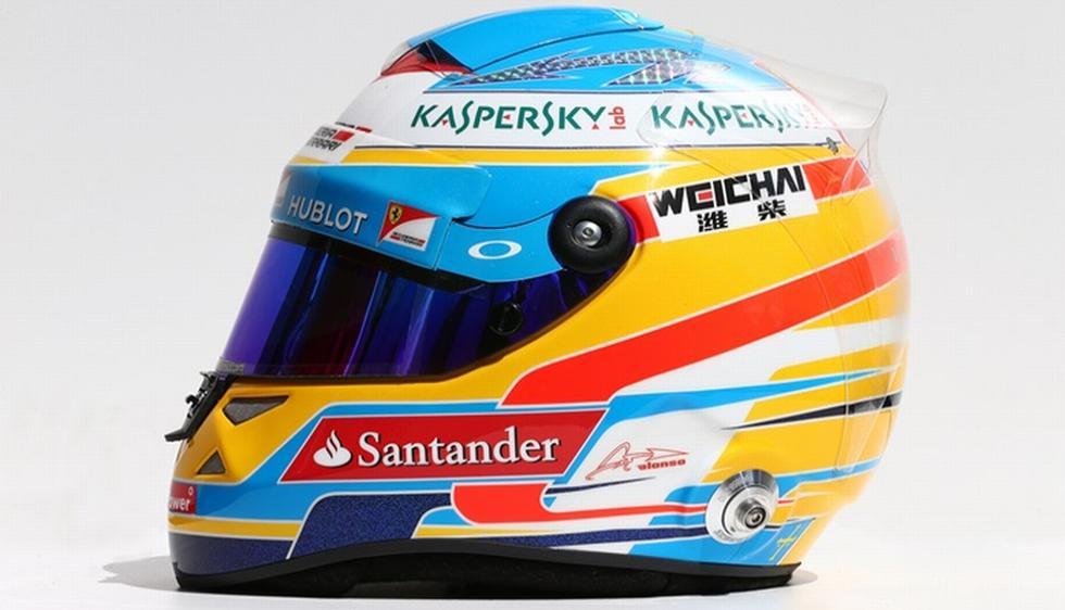 1) Fernando Alonso (Ferrari)  ha realizado ligeros cambios en el diseño de su casco, aunque siguen dominando los colores azul y amarillo. Incluyó el dorsal '14', que va a lucir a partir de esta temporada en la vista superior del casco. (sportyou.es)