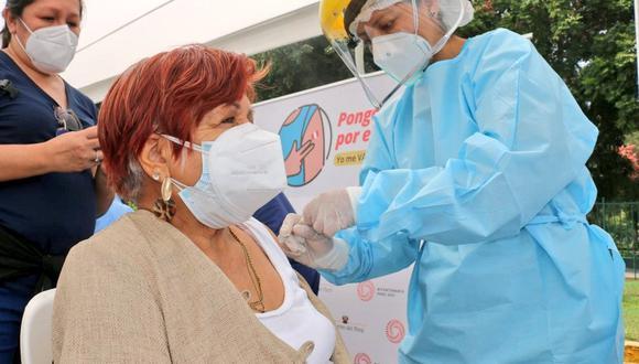 El proceso de vacunación comenzó el martes 9 de febrero en los principales centros de salud en Lima y Callao. (Foto: Minsa)