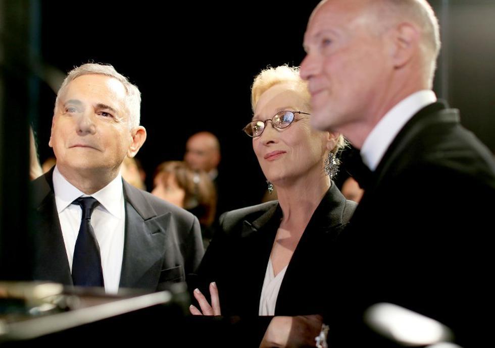 Productores del Oscar, Craig Zadan y Neil Meron con la actriz Meryl Streep en el backstage durante el 87 Annual Academy Awards | Foto: AFP