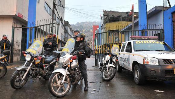 RESGUARDO POLICIAL. Un total de 120 agentes, divididos en dos turnos, están alertas en San Jacinto. (Difusión)