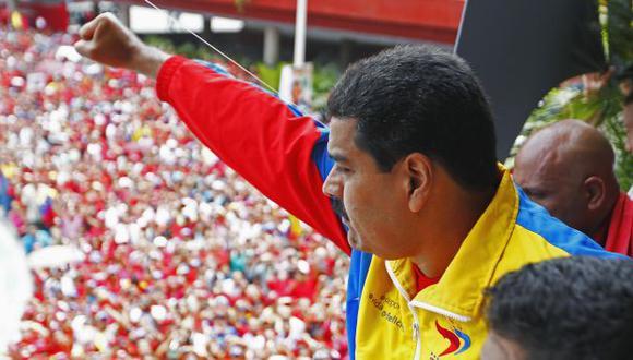 CAPITAL CHAVISTA. Simpatizantes del fallecido mandatario acompañaron al candidato oficialista. (Reuters)