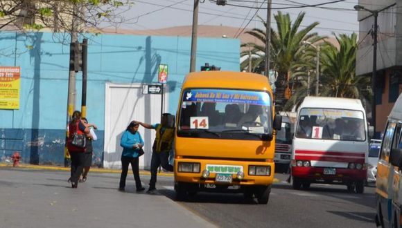 Unidades fabricadas entre 1991 y 1995 debieron dejar de circular desde el 1 de enero. (Foto: Eraida Ramos)