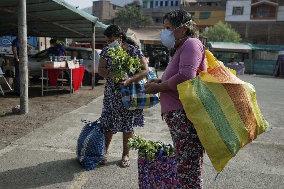 Mujeres pueden salir hoy a realizar compras de primera necesidad. (Foto: Miguel Yovera/GEC)
