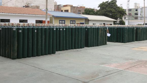 La Libertad: Los primeros 500 balones de oxígeno que llegaron a la región ya fueron recargados en Lima. (Foto: Gore La Libertad)