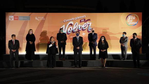 El presidente Martín Vizcarra participó del evento junto a la ministra Rocío Barrios y al ministro Alejandro Neyra. (Foto:César Bueno / @photo.gec )