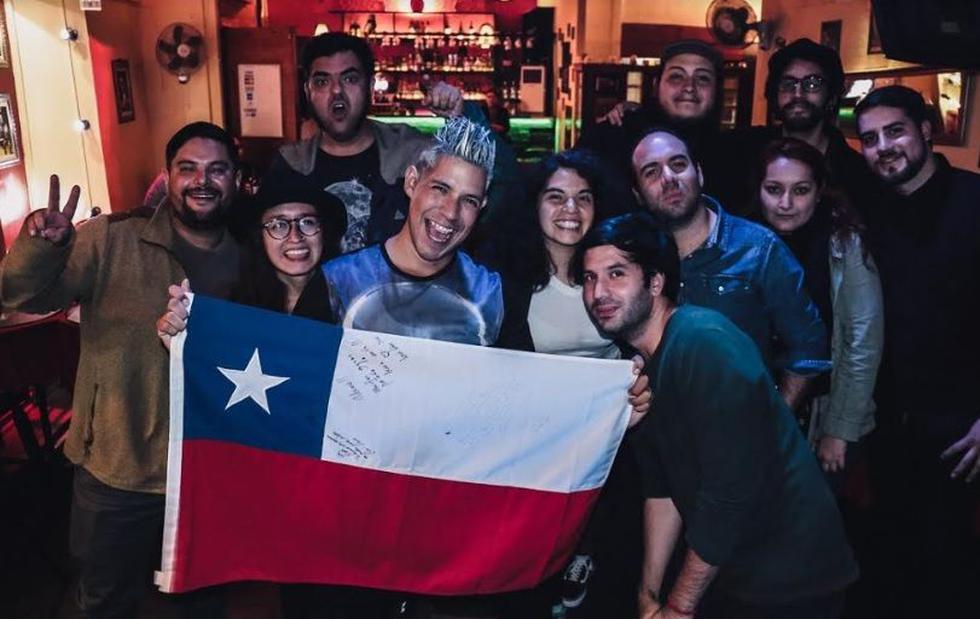 El músico peruano estuvo de gira por Chile donde presentó su disco 'Alienígena'. (Créditos: Facebook)
