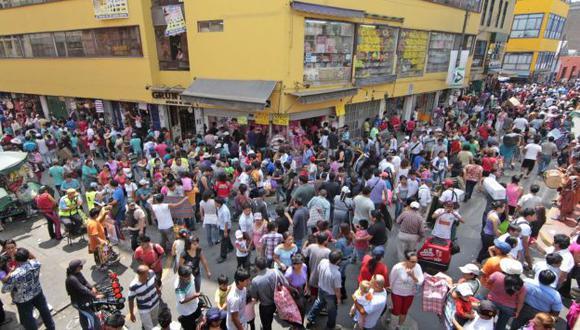 El Mercado Central es uno de los lugares que congrega a la mayor cantidad de gente. (Andina)