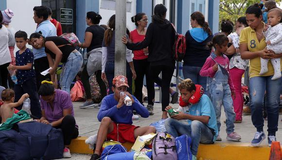 """La ONG """"Unión venezolana en Perú"""" presentará una propuesta para regularizar la situación migratoria de ciudadanos venezolanos en el Perú. (Foto: EFE)"""
