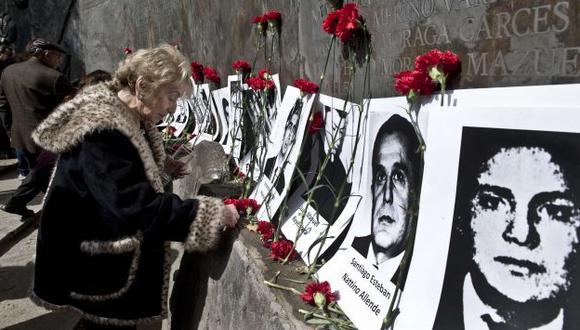 Acto en Villa Grimaldi por los desaparecidos en esta época. (AFP)