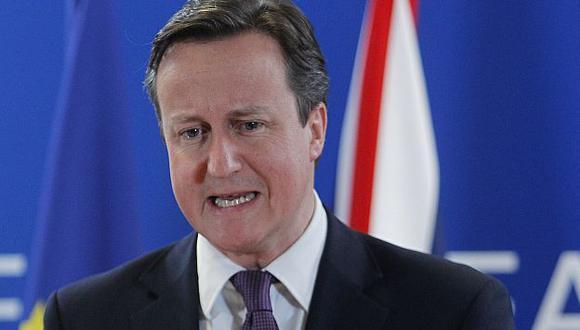 Cameron buscaría distraer la atención de problemas como el desempleo en Reino Unido. (AP)