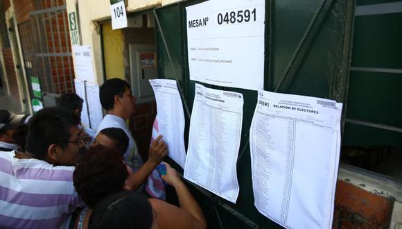 La ONPE precisó que los ciudadanos ubicarán, en el centro de votación, la mesa de sufragio de acuerdo a sus apellidos de manera alfabética.