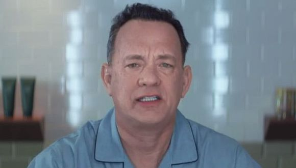 Tom Hanks también aparece cantando durante todo el videoclip. (Captura Youtube)