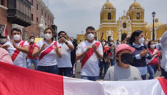 Julio Guzmán anunció que la bancada del Partido Morado no dará voto de confianza al gabinete presidido por Ántero Flores-Aráoz. (Foto: GEC)