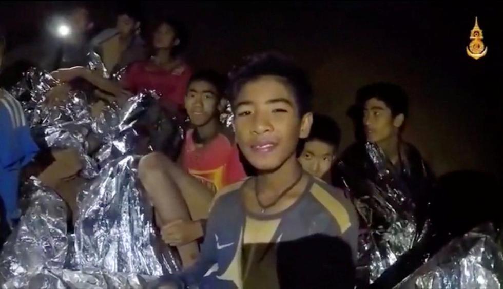 Los niños atrapados en una cueva de Tailandia no salieron buceando