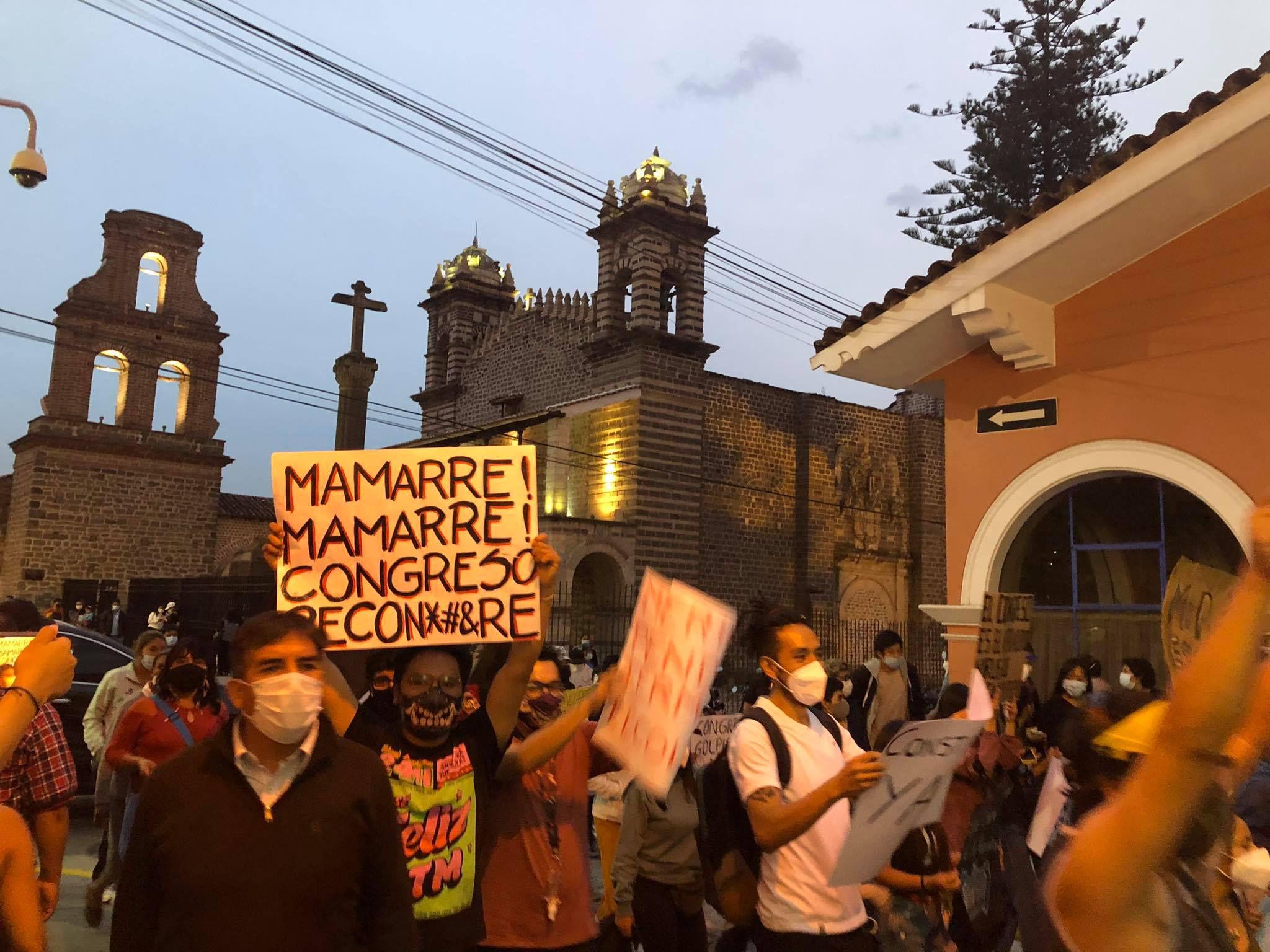 Ayacucho exige la renuncia de Manuel Merino de Lama tras protestas - AP  Noticias Perú