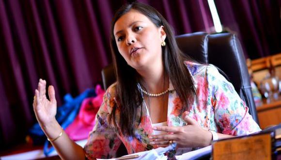 Gobernadora regional pide que siga la bancada por Arequipa. (Gessler Ojeda)