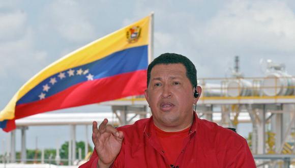 """En Sudamérica, el presidente venezolano Hugo Chávez fue el primero en establecer un programa televisivo semanal. Desde 1999 hasta poco antes de su muerte, en el 2012, todos los domingos el mandatario conducía """"Alo Presidente"""". El espacio tuvo 378 emisiones y algunas llegaron a durar hasta seis horas. (AFP)"""