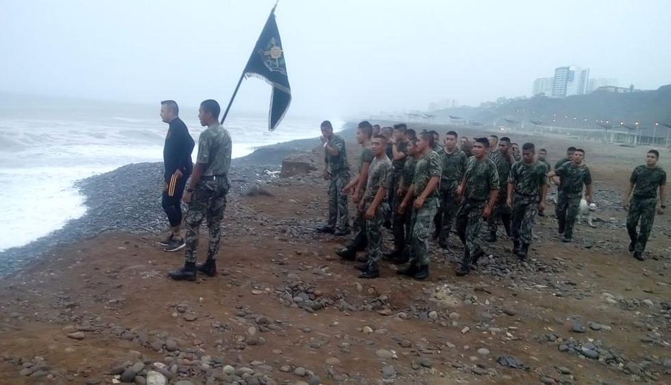 Ministerio de Defensa difunde imágenes de los entrenamientos militares en playa Marbella. (MINDEF)