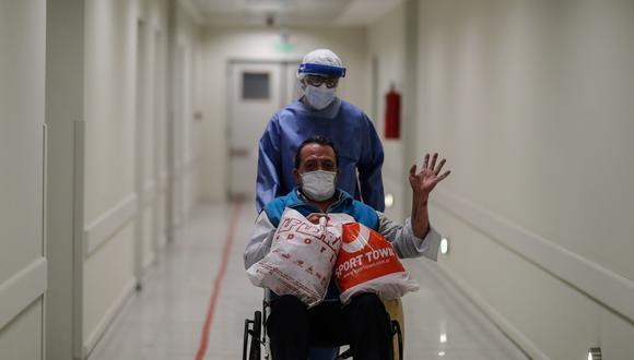 La cantidad de pacientes recuperados aumentó este jueves. (Foto: EFE/ Juan Ignacio Roncoroni/Referencial)