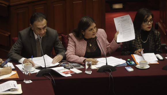 Karina Beteta presentó un proyecto sobre la inmunidad parlamentaria que excluye la propuesta del Ejecutivo. (Foto: Renzo Salazar / GEC)